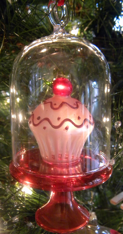 another sweet ornament from the kitchen tree.