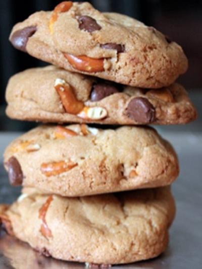 milk chocolate butterscotch pretzel cookies