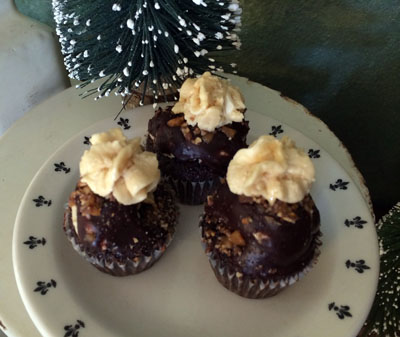 Toffee Crunch Mini Cupcakes1