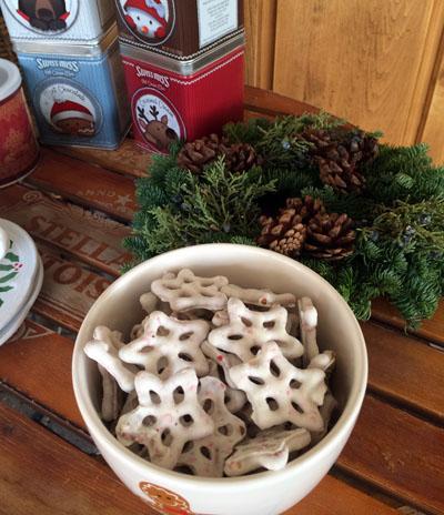 white chocolate mint pretzels