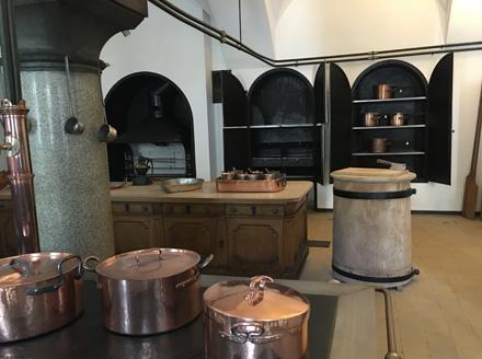 Neuschwanstein kitchen1
