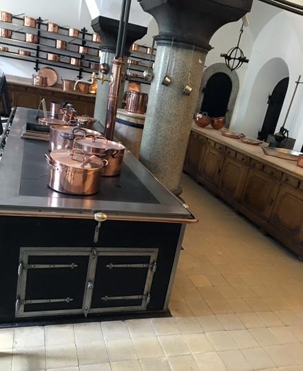 Neuschwanstein kitchen4