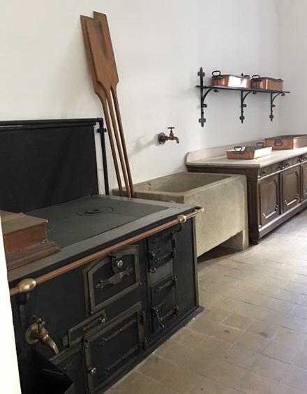 Neuschwanstein kitchen5