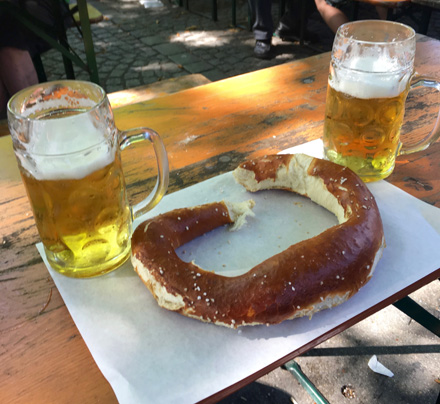 beer-and-pretzel